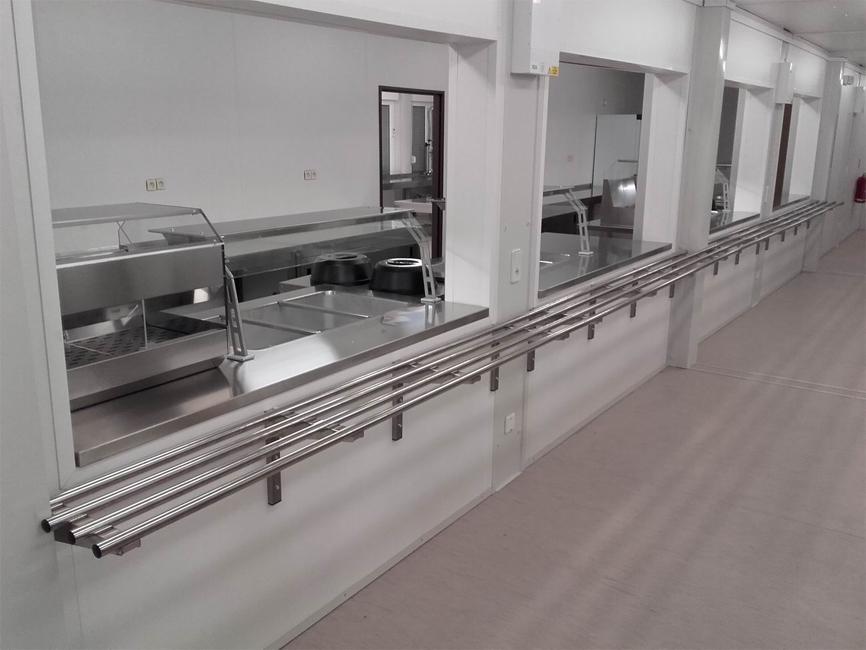 Jaguar Landrover, Nitra - staveniskový kontajnerový výdaj stravy